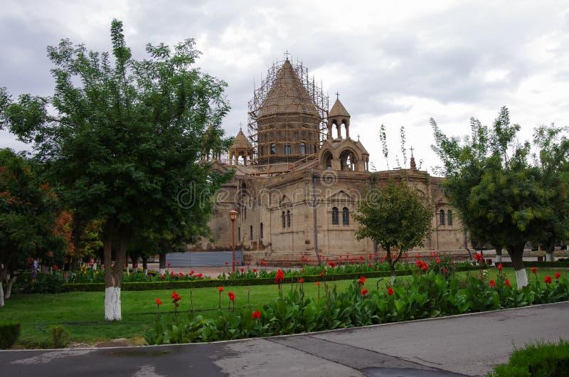 Собор матери святого Etchmiadzin, одной из самых старых церков в мире, первое построенного St Gregory иллюминатор как стоковое изображение