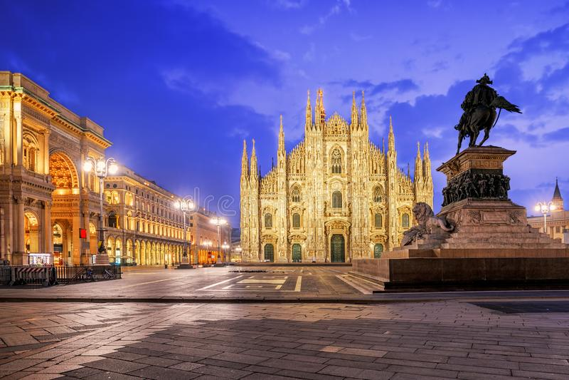 Собор милана и Galleria на Duomo аркады, Италии стоковое фото