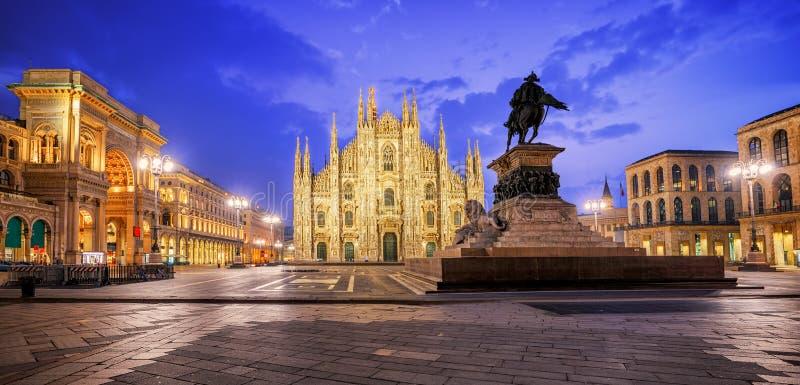 Собор милана и Galleria на Duomo аркады, Италии стоковое фото rf