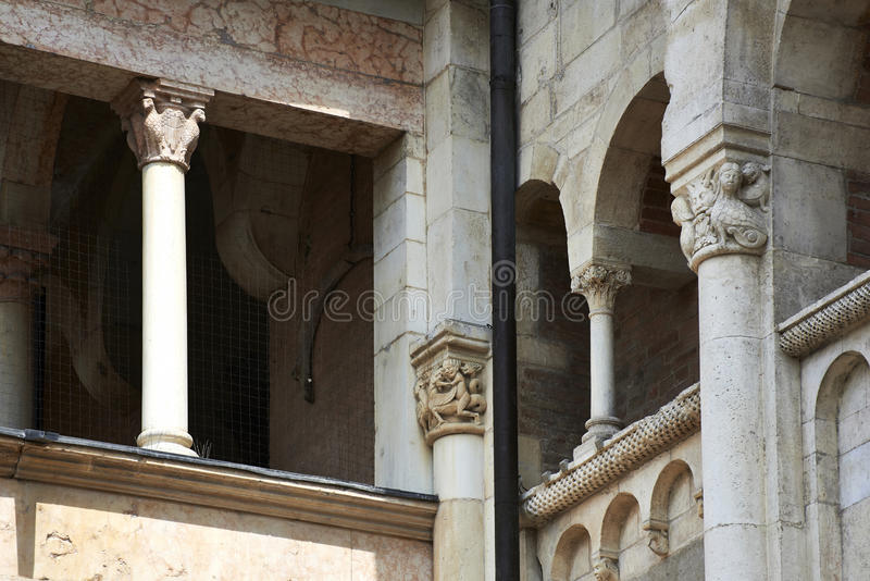 собор Моденаа стоковые изображения rf