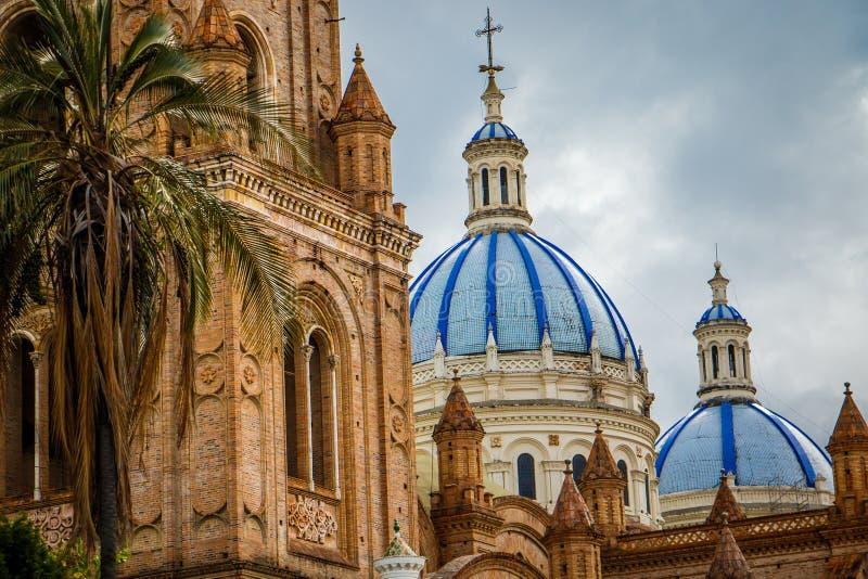 Собор непорочного зачатия в Cuenca, эквадоре стоковые изображения