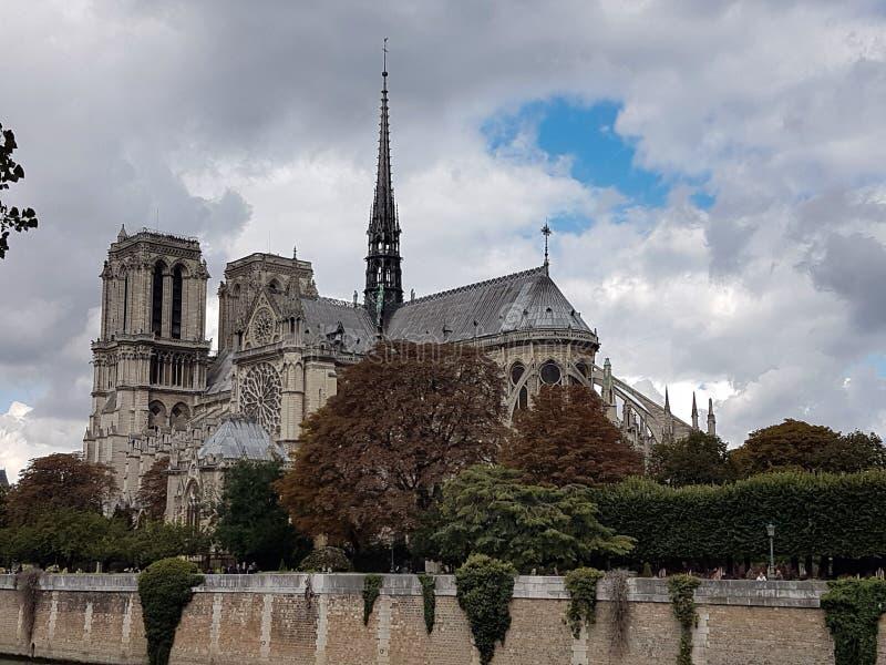 Собор Нотр-Дам в Париже стоковое изображение
