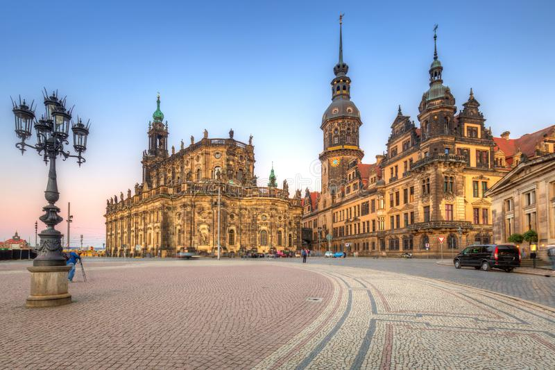 Собор святой троицы и замка Дрездена в Саксонии, Германии стоковые изображения rf