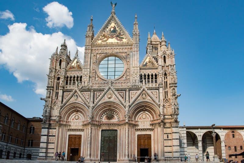 Собор Сиены, Duomo Сиены, передней грани, Тосканы, Италии стоковые изображения rf