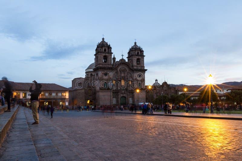 Собор Cusco после захода солнца стоковые изображения