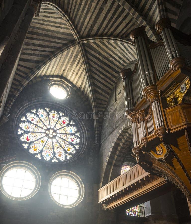 Собор Embrun, внутренний стоковые изображения rf