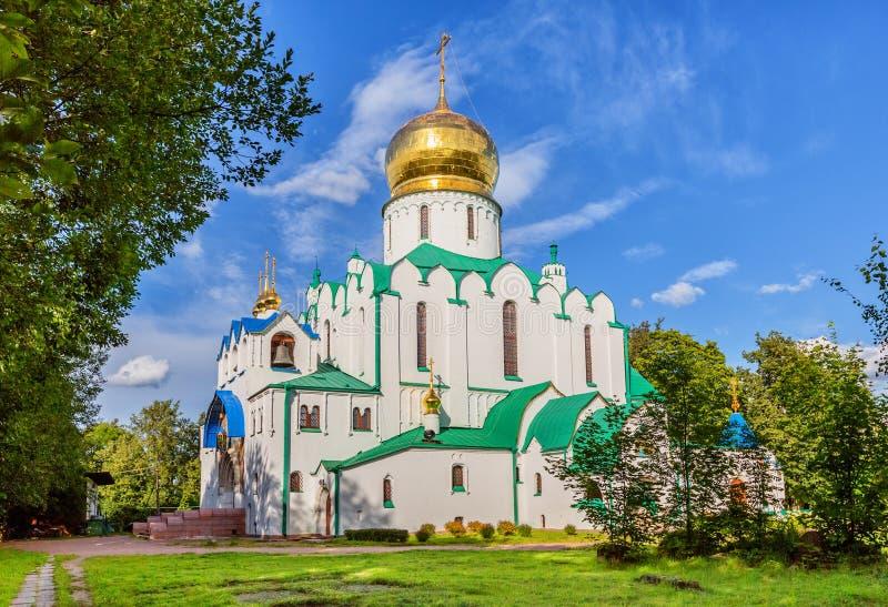 Собор Fedorovskiy в Pushkin в летнем дне стоковые фотографии rf