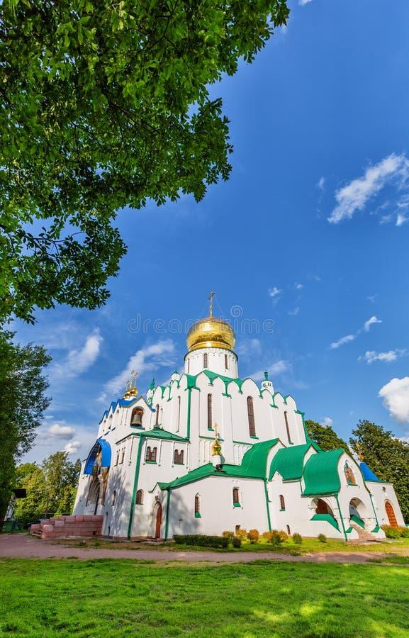 Собор Fedorovskiy в Pushkin в летнем дне стоковые фото