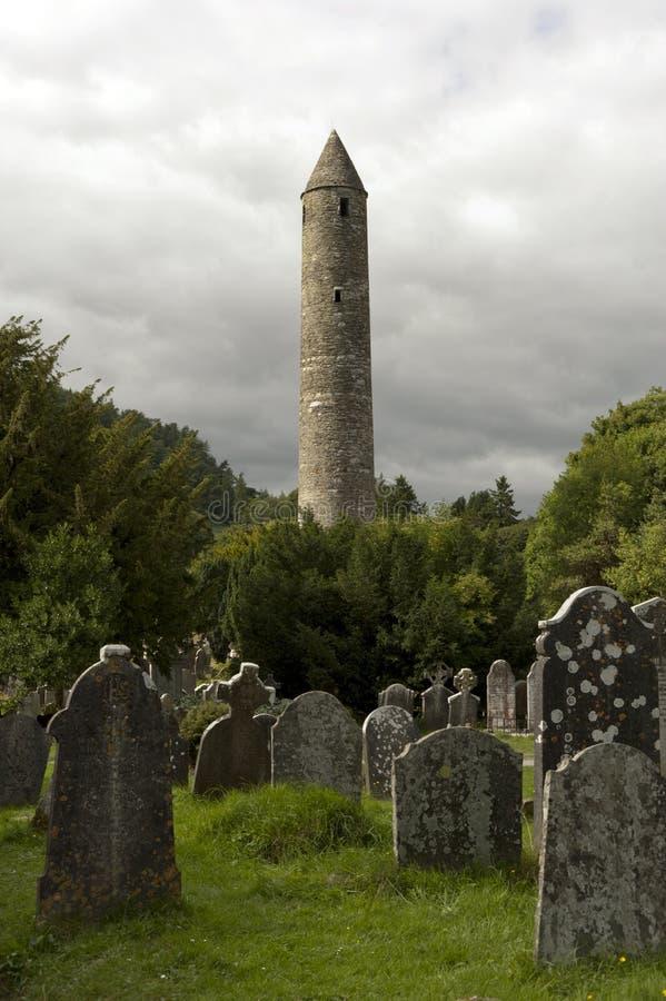 Собор Glendalough и круглая башня, Ирландия стоковые фотографии rf