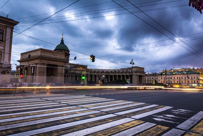 Собор Kazanskiy в Санкт-Петербурге в России, долгой выдержке стоковая фотография rf