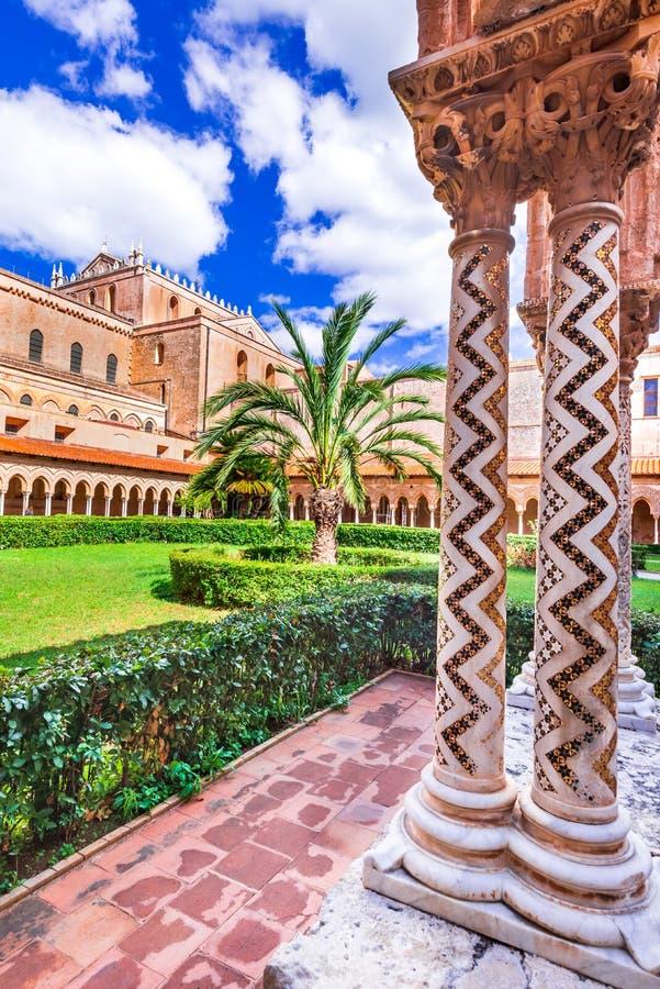Собор Monreale, Палермо в Сицилии стоковые фото