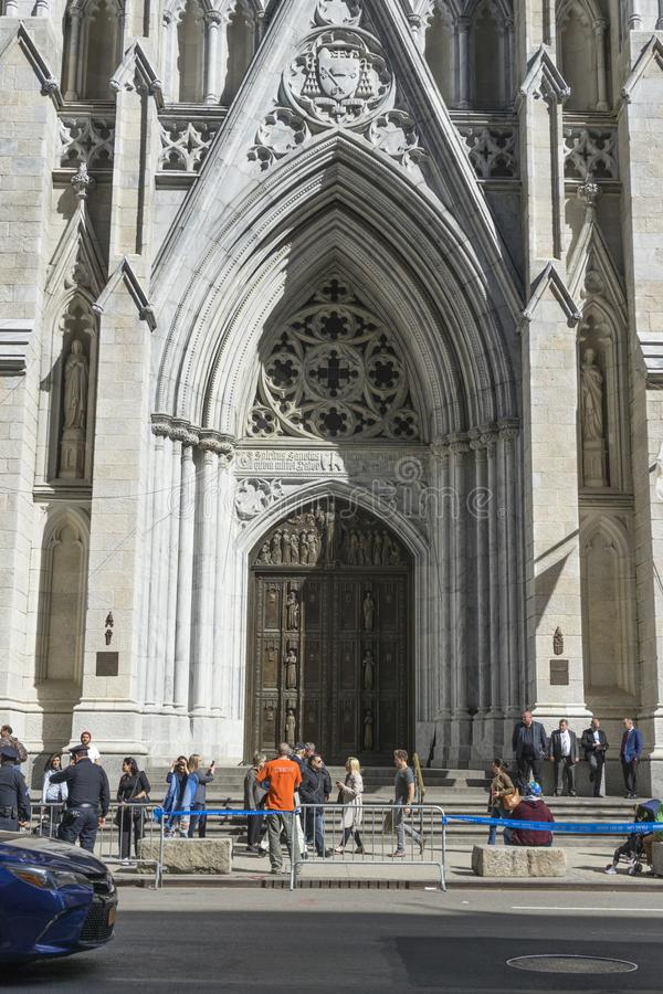 Собор ` s St. Patrick в Манхаттане, NYC стоковые фотографии rf