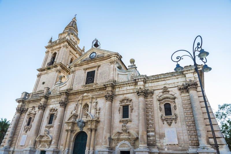 Собор San Giovanni Battista в Рагузе, Сицилии, Италии стоковые изображения