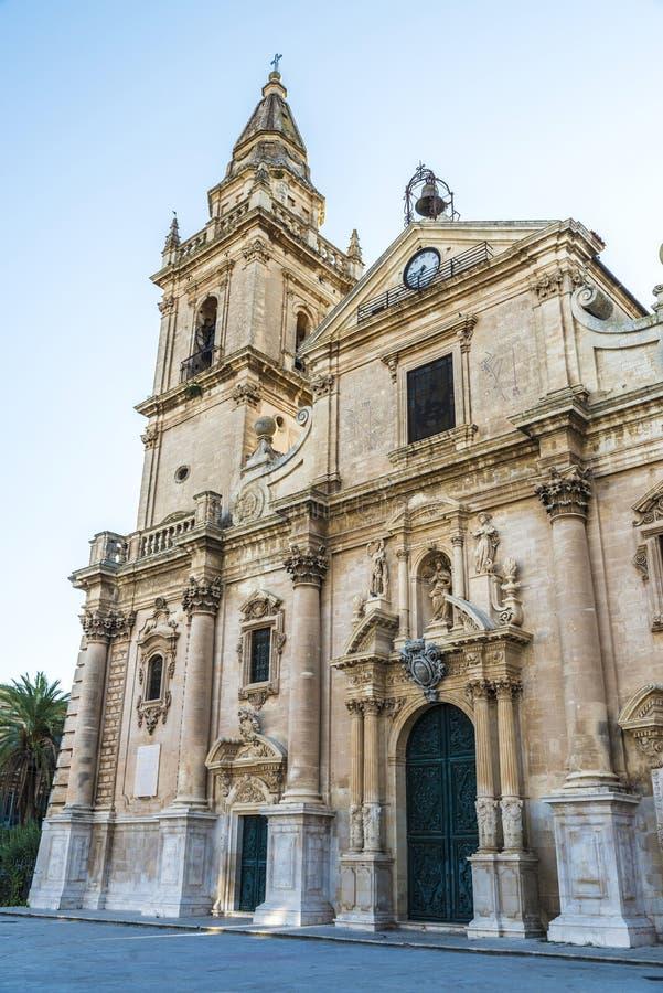 Собор San Giovanni Battista в Рагузе, Сицилии, Италии стоковое изображение