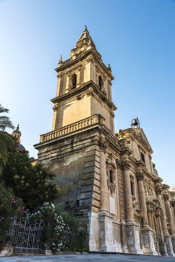 Собор San Giovanni Battista в Рагузе, Сицилии, Италии стоковая фотография rf