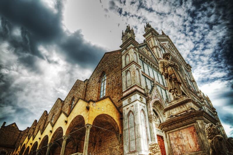 Собор Santa Croce в влиянии отображения тона hdr стоковая фотография