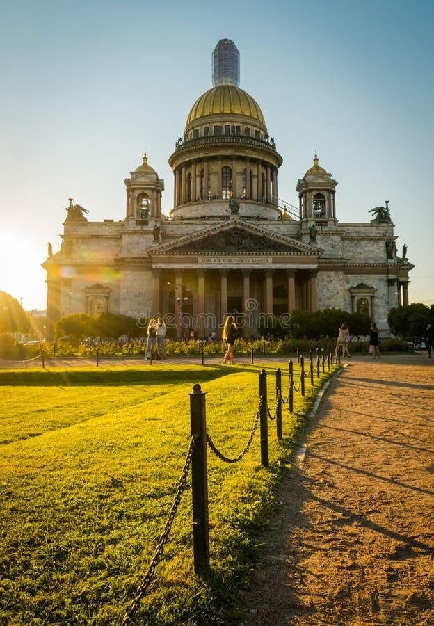 Собор St Исаак в Санкт-Петербурге, России стоковые фотографии rf