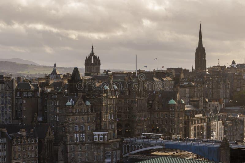 Собор St Giles и эпицентр деятельности, горизонт Эдинбурга, Шотландия стоковые изображения