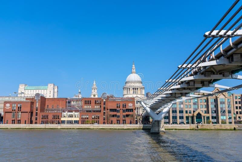 Собор St Paul в городском Лондоне стоковое фото