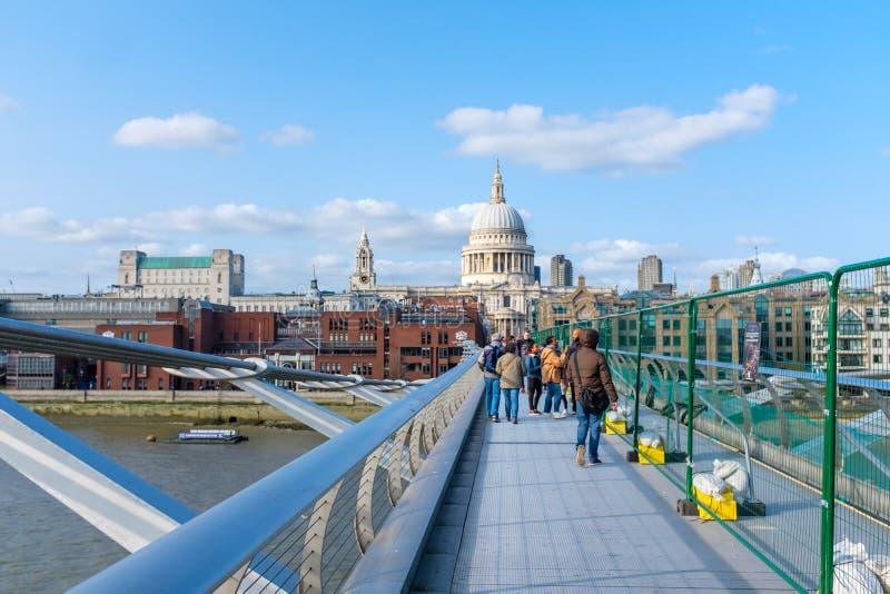 Собор St Paul в городском Лондоне стоковое изображение rf