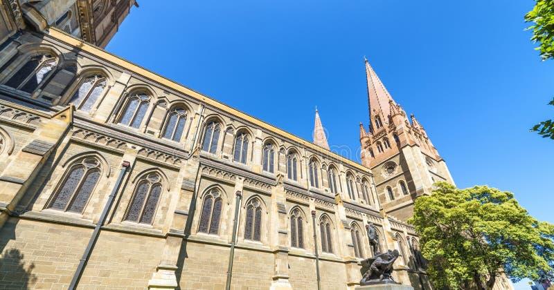 Собор St Paul в Мельбурне - Виктории - Австралии стоковая фотография
