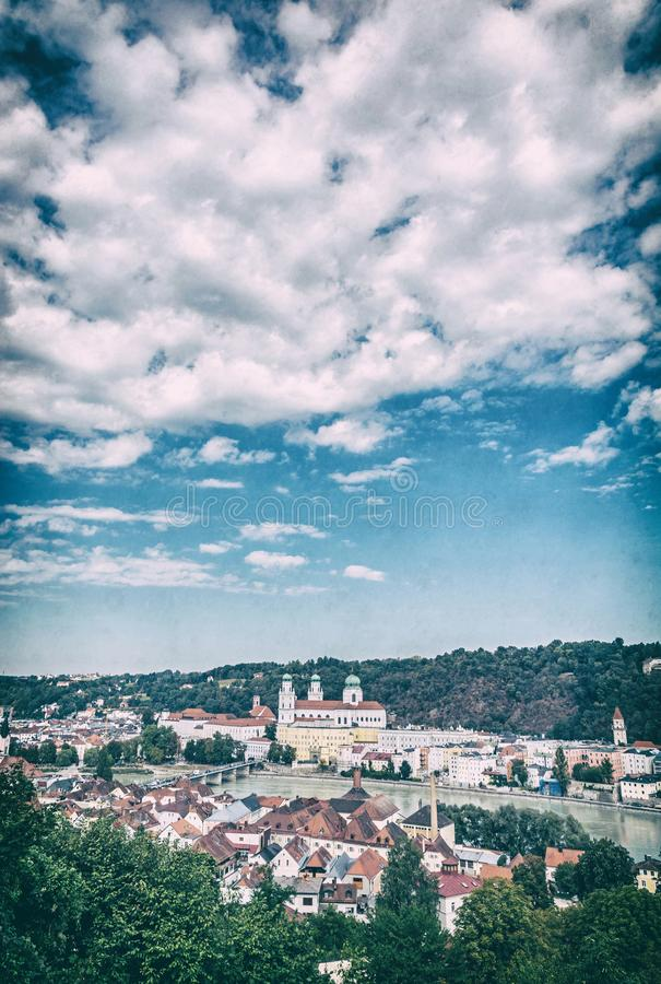 Собор St Stephen, Passau, сетноой-аналогов фильтр стоковые изображения rf