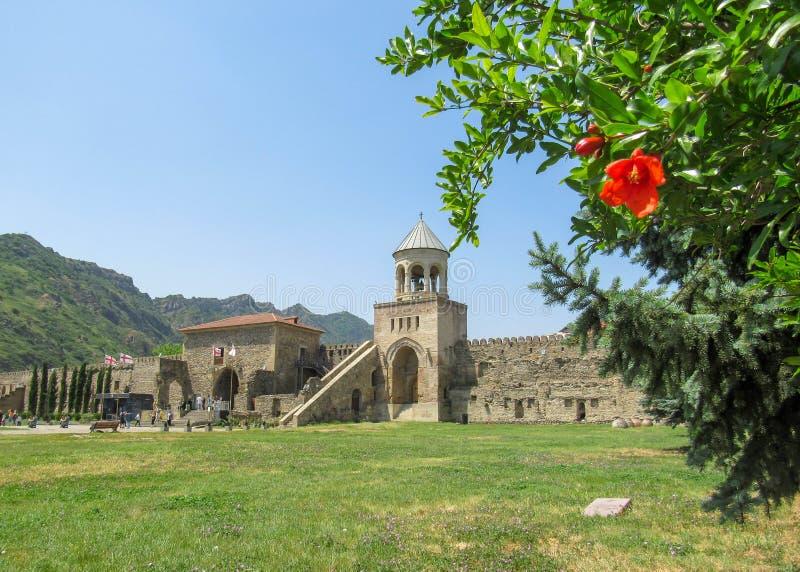Собор Svetitskhoveli или собор живущего штендера, восточный правоверный собор расположенный в историческом городе  стоковое фото rf
