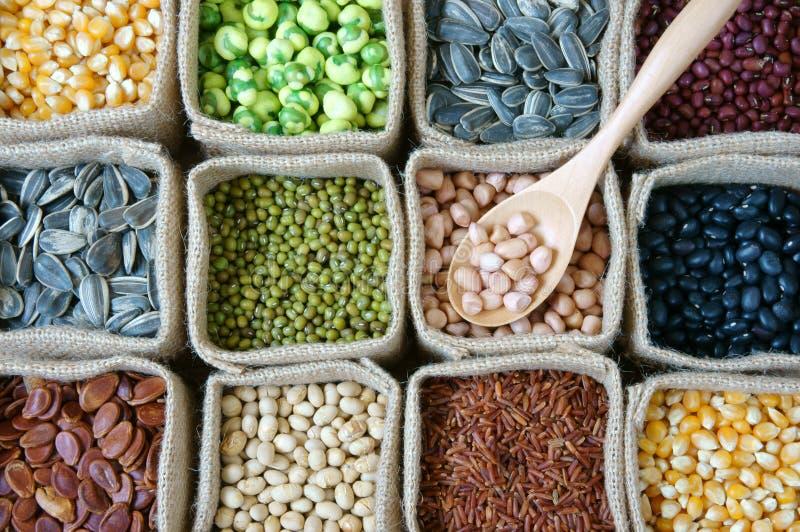 Собрание зерна, хлопьев, семени, фасоли стоковая фотография