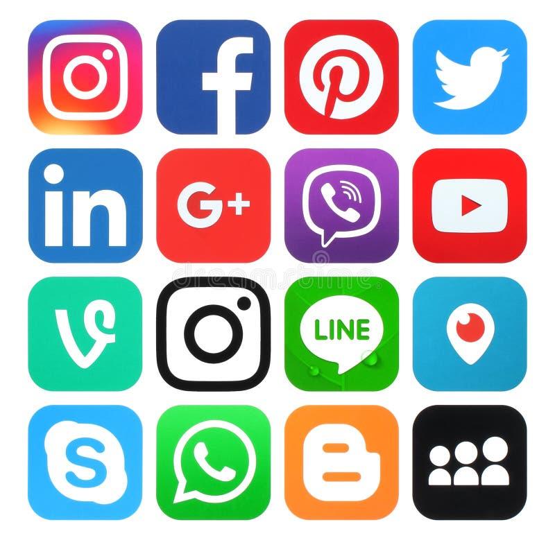 Собрание популярных социальных логотипов средств массовой информации стоковая фотография