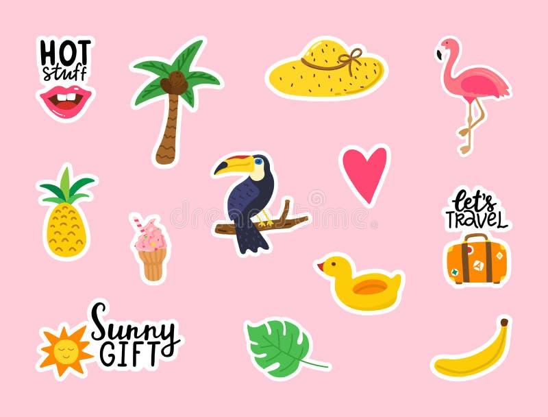 Собрание стикеров лета на розовой предпосылке Милые элементы дизайна doodle для карт, плакатов, приглашения партии Набор партии л бесплатная иллюстрация