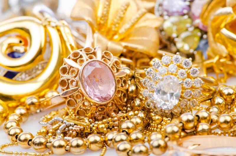 Собрание jewellery золота стоковое изображение