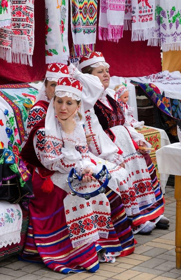 Событие волшебников города Gomel Белорусские женщины в костюмах стоковая фотография