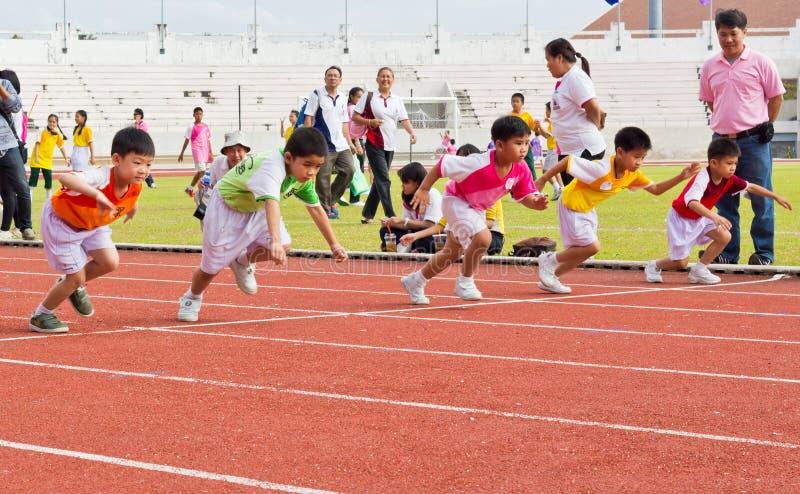 Событие дня спорта детей стоковые фотографии rf