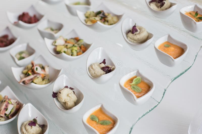 События шведского стола свадьбы ресторанного обслуживании Украшение, еда стоковое изображение