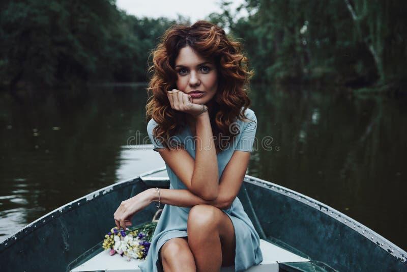 совершенная женщина стоковое фото