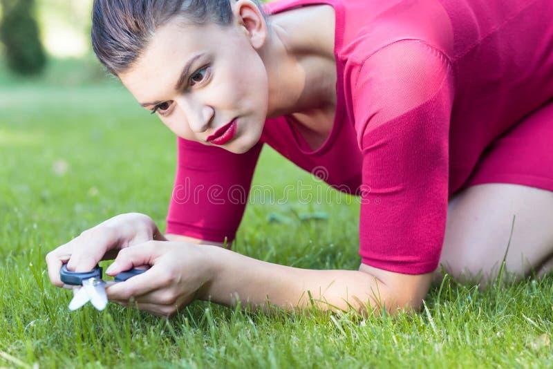Совершенное вырезывание травы стоковые изображения rf