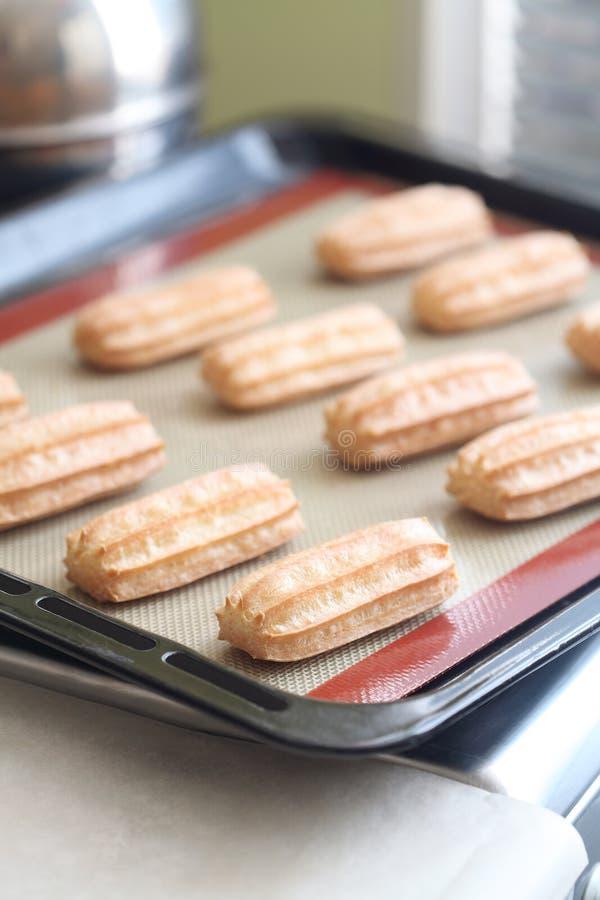 Совершенное тесто печенья choux Eclairs стоковое изображение rf