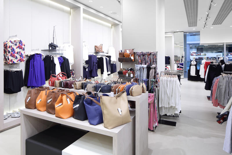 Download Совершенно новый интерьер магазина ткани Стоковое Изображение - изображение насчитывающей деталь, стекло: 40575087