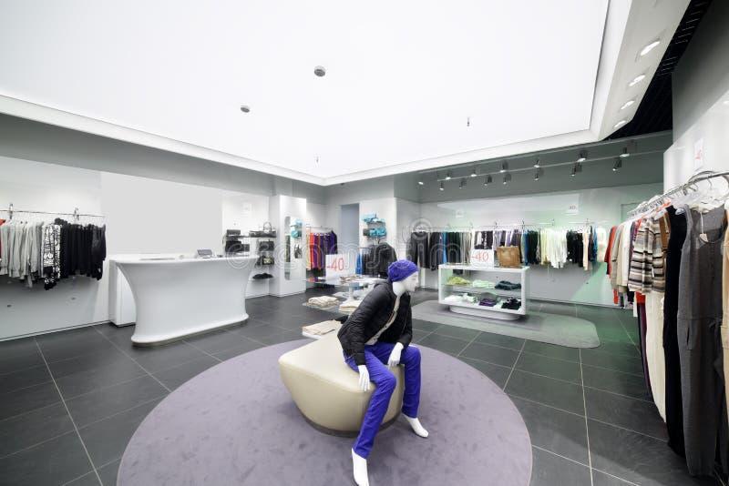 Download Совершенно новый интерьер магазина ткани Стоковое Фото - изображение насчитывающей дело, цвет: 40575212