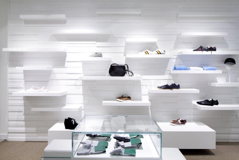 Download Совершенно новый интерьер магазина ткани Стоковое Изображение - изображение насчитывающей одежды, дело: 40575565