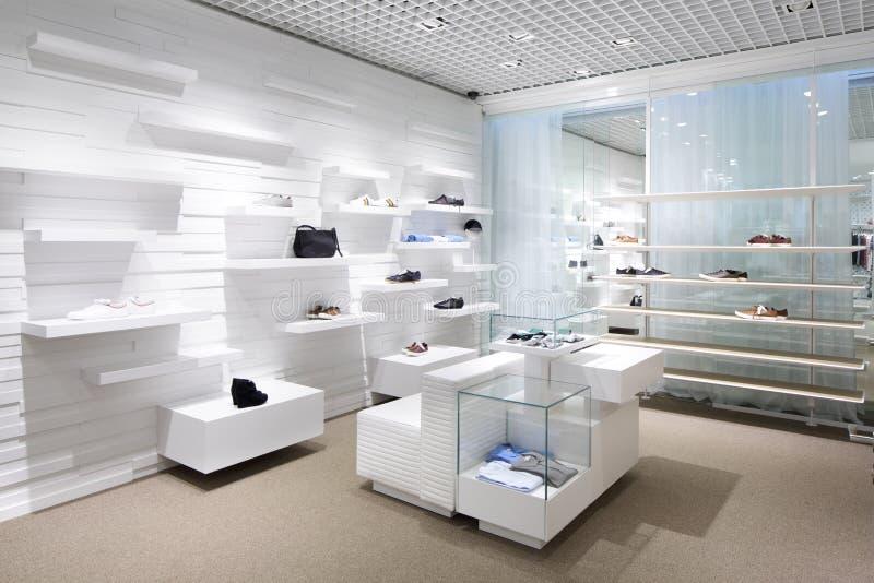 Download Совершенно новый интерьер магазина ткани Стоковое Изображение - изображение насчитывающей свет, шкаф: 40575583