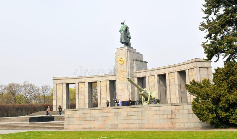 Советский военный мемориал в Берлине, Германии стоковая фотография