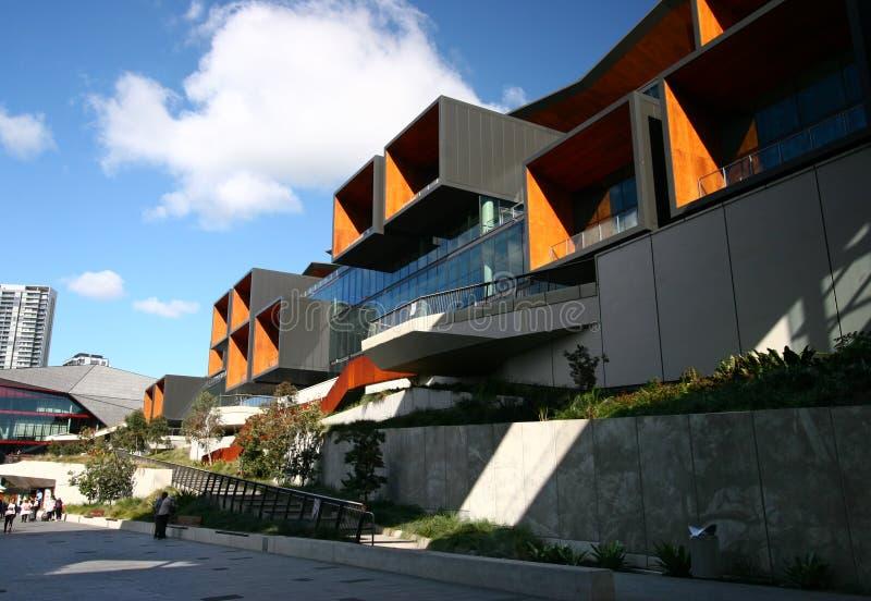 Современная архитектура выставочных залов центра ICC центра конференц-центра международной конвенции на парке Tumbalong, Сиднее,  стоковое фото