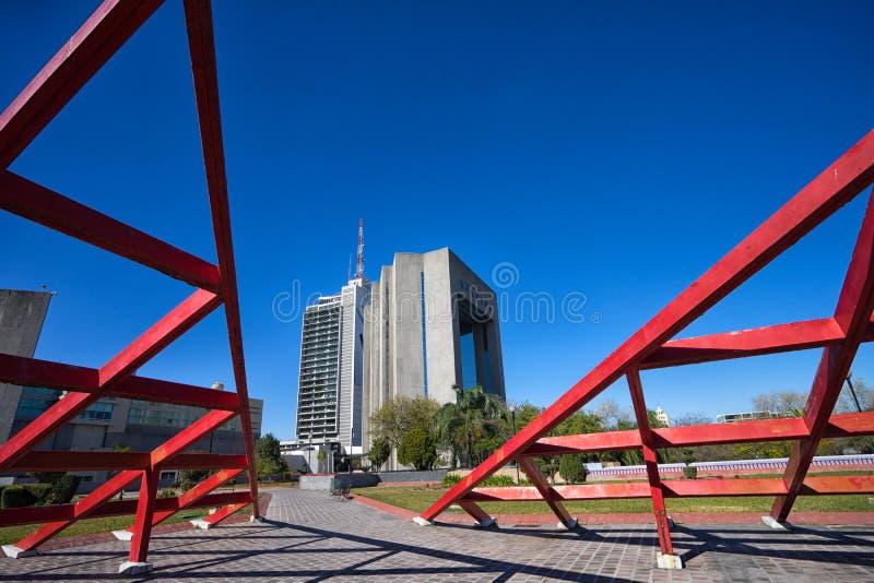 Современная архитектура в Монтеррее Мексике стоковое изображение rf