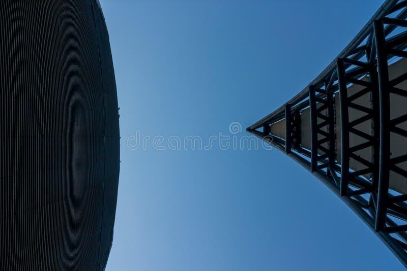 Современная архитектура: Глобус стоковое изображение rf