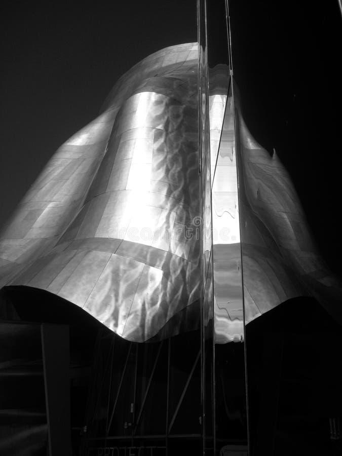 Современная архитектура нержавеющей стали на музее EMP в Сиэтл 2 стоковое изображение rf