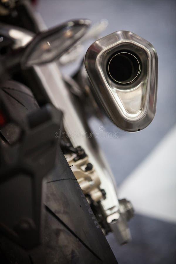 Современная выхлопная труба мотоцикла стоковые фотографии rf