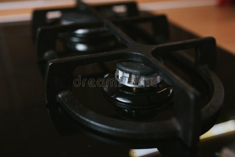 Современная газовая горелка плиты без пламени стоковая фотография