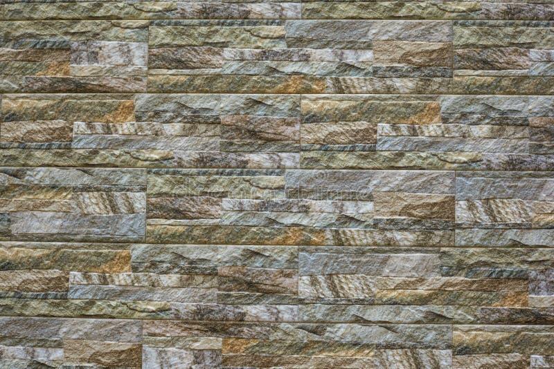 Современная каменная предпосылка кирпичной стены текстура камня утеса мха стоковая фотография rf