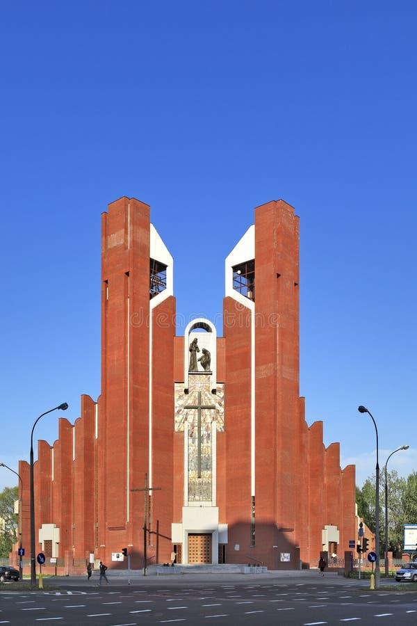 Современная обрядовая архитектура - церковь апостола St. Thomas в Варшаве, Польше стоковые фотографии rf